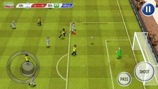Скачать Striker Soccer America 2015 для Андроид