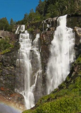 Скачать Водопад живые обои для Андроид